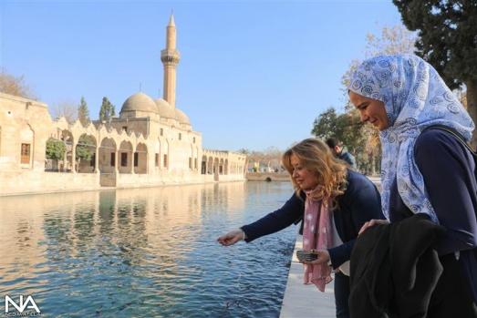 Prof. Dr. Gülnur Aybet-Burcu Çetinkaya Bucak Röpörtajı