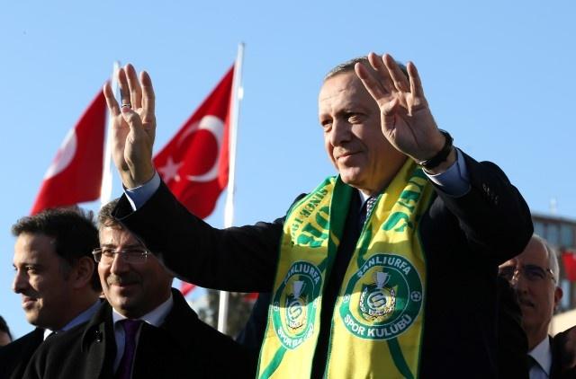 Erdoğan Satranç Takımı Dağıttı