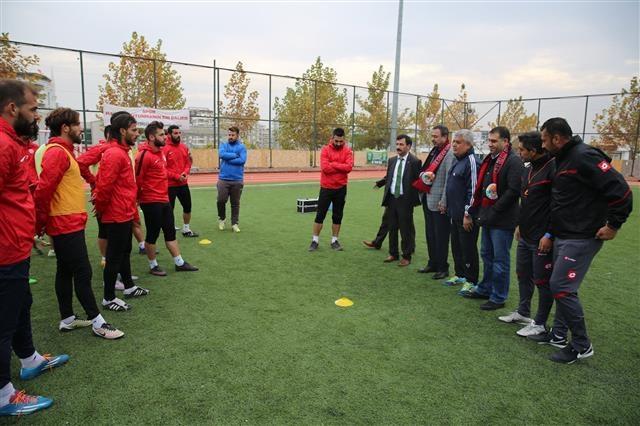 Urfasporlu Eski Yöneticiler Karaköprü Belediyespor Ziyaret