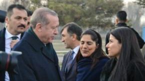 Erdoğan'ı Urfalı akedemisyen karşıladı