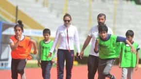 Antrenör çift, Şanlıurfa'da geleceğin atletlerini yetiştiriyor