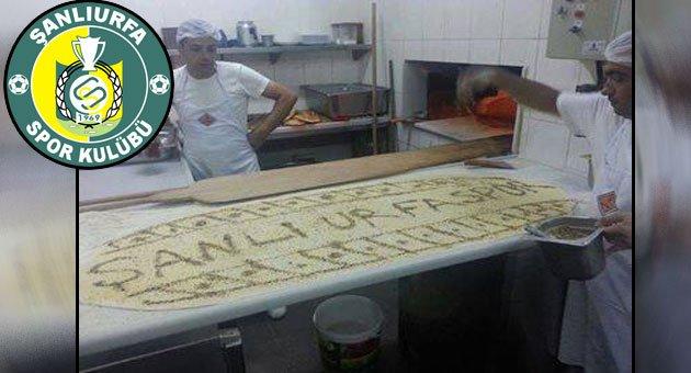 Sarı yeşil sevdalılarından Şanlıurfaspor ekmeği