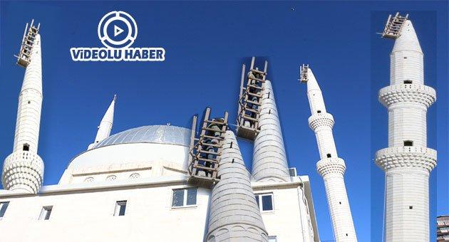 Urfa'da Cami Minaresinde Tehlikeli Çalışma