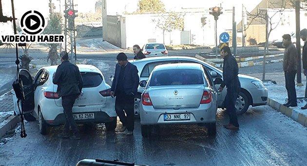 Urfa'ya Yağan Kar Beraberinde Kazaları Getirdi