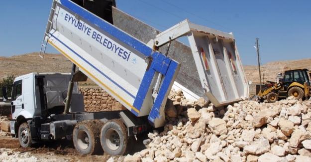 Eyyübiye Belediyesi Yol Yapım Çalışmalarına Hız Verdi