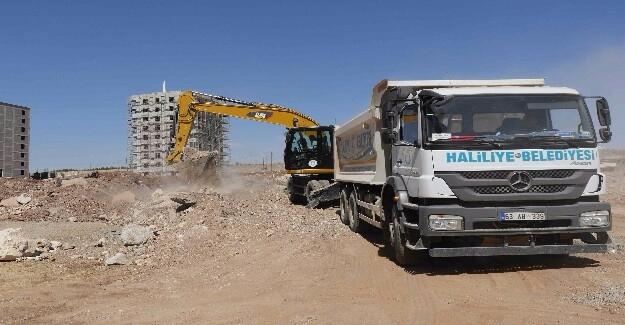 Karşıyaka'da Yeni Yollar Açılıyor