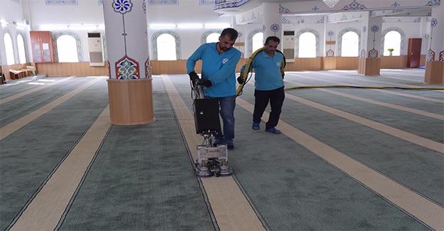 Haliliye'de Camilere Özel Temizlik