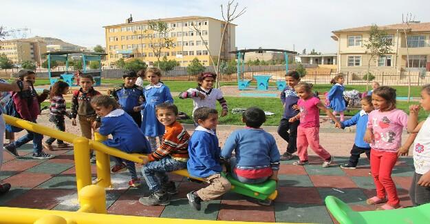 Çocuklar Eyyübiye Belediyesi ile Mutlu