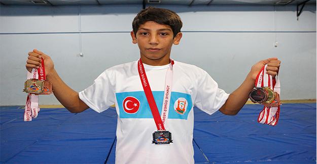 Genç Güreşçinin Gözü Dünya Şampiyonluğunda