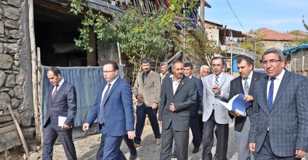 Gölbaşı Kaymakamı Zadeleroğlu'ndan köylere ziyaret