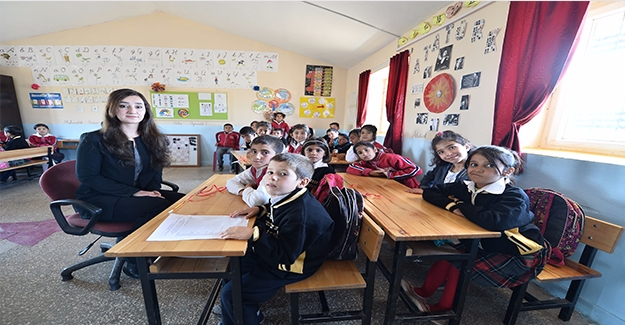 Köy Okulunun Fedakar Öğretmeni