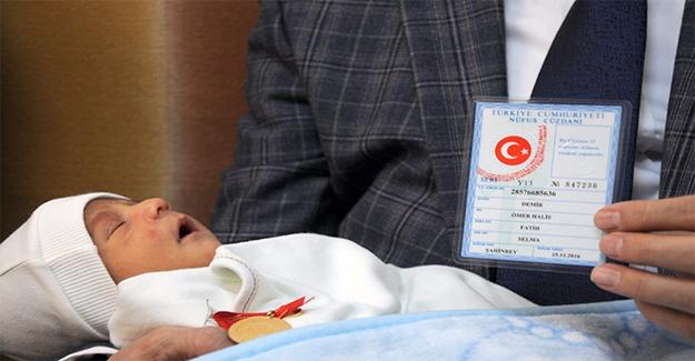 """""""Ömer Halisdemir""""in Adı 60 Bininci Bebeğe Verildi"""