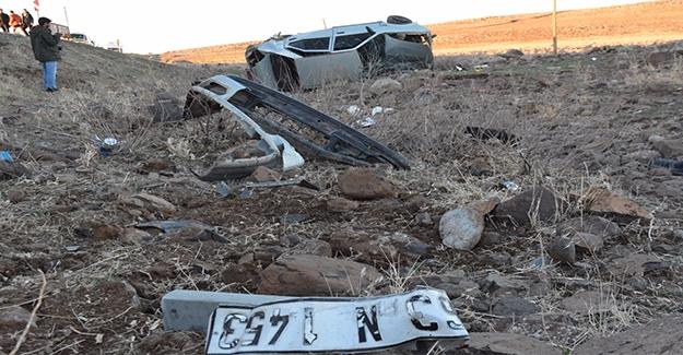 Siverek'te Otomobil Devrildi: 5 Yaralı