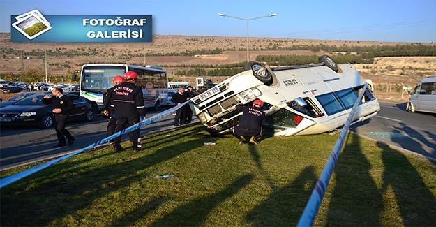 Trafik Kazasında Can Pazarı: 19 Öğrenci Yaralı