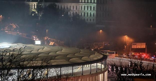 İstanbul Beşiktaş'ta Şiddetli Patlama
