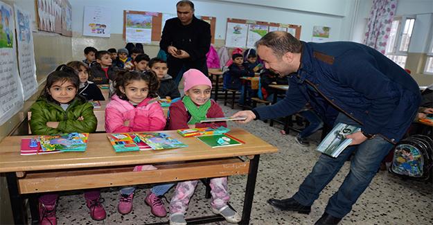 Siverek'te Suriyeli Öğrencilere Yardım