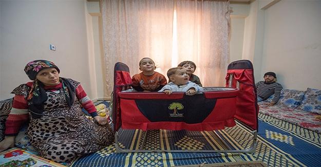 Urfa'daki Suriyeli Bebek Hayata Beşikle Tutundu