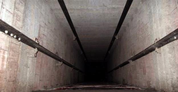 Asansörle Duvar Arasına Sıkışan Çocuk Öldü