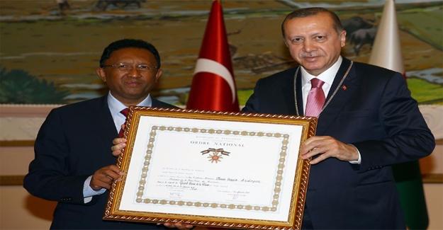 Erdoğan'a Madagaskar Nişanı Tevcih Edildi
