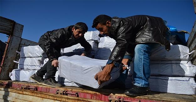 Haleplilere Isınmaları İçin Zeytin Posası Gönderdiler