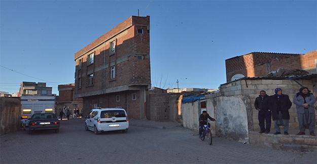 Siverek'teki İlginç Bina Sığınmacılara Ev Sahipliği Yapıyor