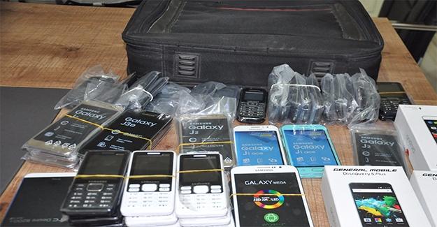 Birecik'te Cep Telefonu Kaçakçılığı
