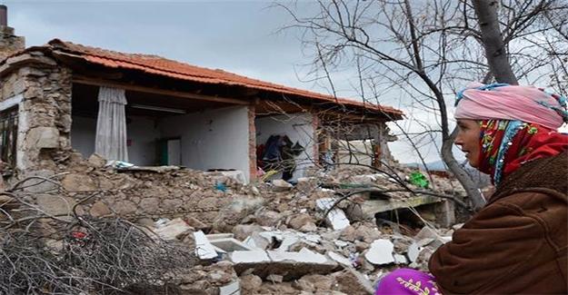 Çanakkale'de Depremin Yaraları Sarılıyor