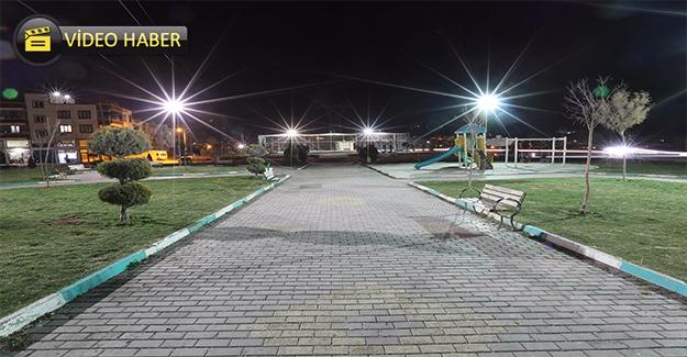 Haliliye'de Parklar Gece Işıl Işıl