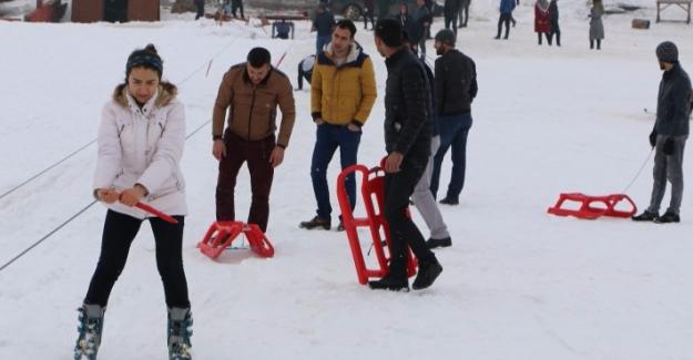 Öğrenciler Karacadağ'da Stres Attılar