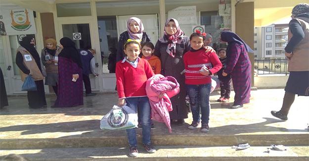 Şanlıurfa'da İHH'dan Suriyeli Çocuklara Yardım