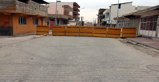 Akçakale'de Bazı Caddeler Trafiğe Kapatıldı