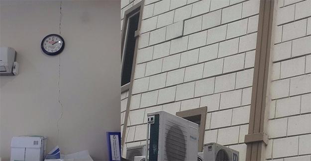 Şanlıurfa'da Depremin Etkisiyle Bazı Binalarda Hasar Oluştu