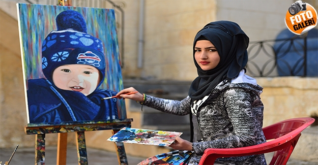 Urfa'da Yaşayan Suriyeli Genç Ressam Kız Babasının Yolunda İlerliyor