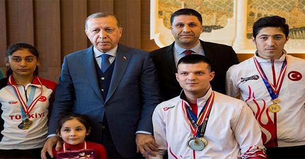 Cumhurbaşkanı Erdoğan Sporcularla Buluştu