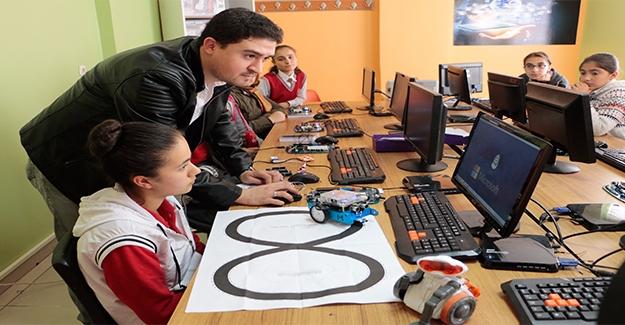 Şanlıurfa'da STEM Bilim Merkezi Geleceğe Yön Veriyor
