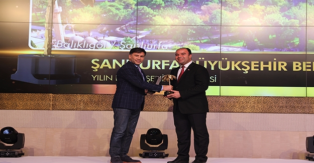 Başkan Çiftçi'ye Altın Palmiye Ödülü