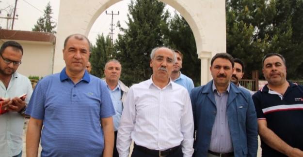 Ceylanpınar'da Mezarlık Bakım Onarımları Devam Ediyor