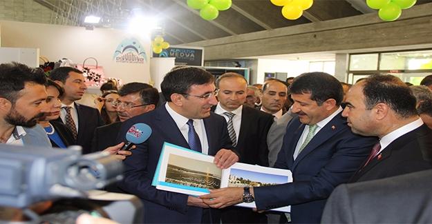 Eyyübiye Belediyesinin Standına Yoğun İlgi