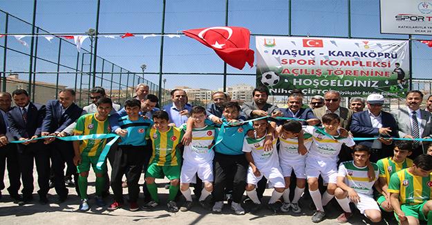 Maşuk'ta Spor Kompleksi Açıldı