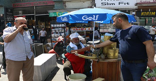 Şanlıurfa'da Vatandaşlar Yeşil Alanlara Akın Etti