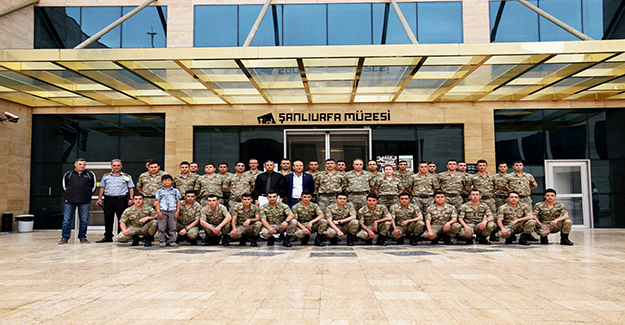 Şanlıurfa'daki Askerler Müzeyi Gezdiler