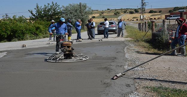Siverek Azıklı'da Beton Yol Çalışması