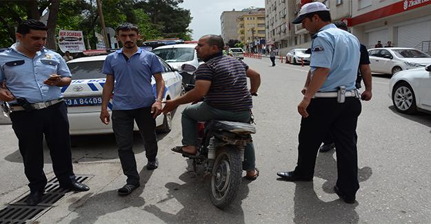 Siverek'te Polisten Motosikletlere Sıkı Denetim