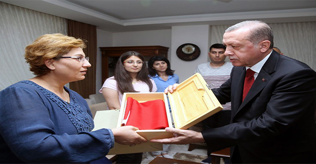 Cumhurbaşkanı Erdoğan, Şehit Ailelerini Ziyaret Etti