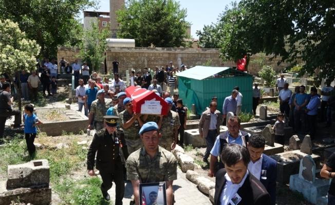 Kazada şehit olan asker son yolculuğuna uğurlandı