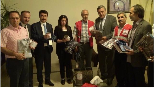 Kızılay'dan HRÜ öğrencilerine bayram hediyesi