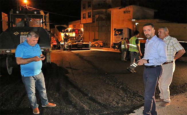 Siverek'te Sahur Vakti Sıcak Asfalt Çalışması