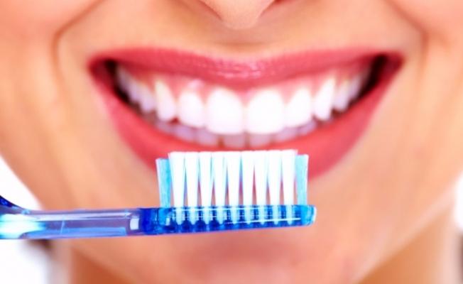 Diş Sağlığı İçin En Faydalı Besin Hangisi ?