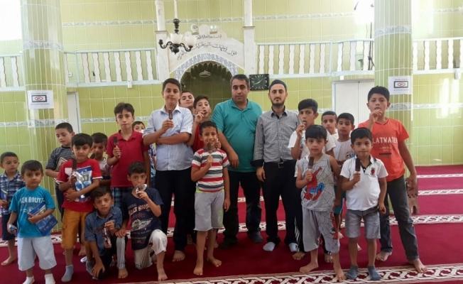 Kur'an kursu öğrencilerine dondurma ikramı
