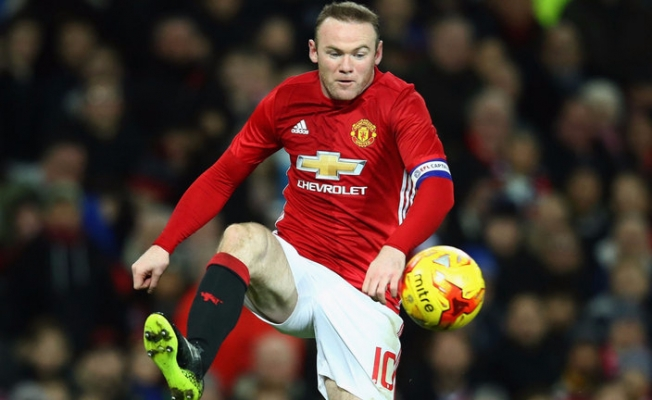 Manchester United'dan Rooney Geçti